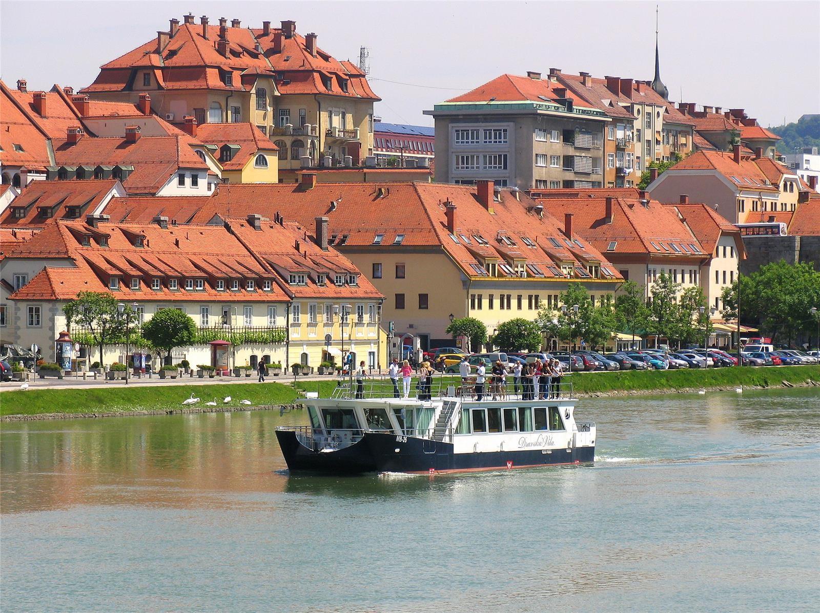 Dravska_vila_Slovenia_Slovenija_Maribor_Pohorje_Gregor_Mursec.jpg